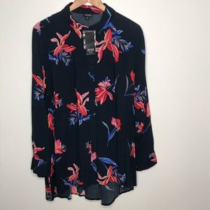 a.n.a. Floral navy button up blouse